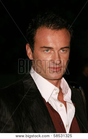 HOLLYWOOD - AUGUST 25: Julian McMahon at the