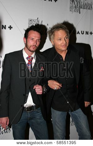 HOLLYWOOD - APRIL 06: Scott Weiland and Matt Sorum at Flaunt Magazine Presents Nefarious Fine Jewelry Hosted by Velvet Revolver at Black Steel Restaurant on April 06, 2006 in Hollywood, CA.