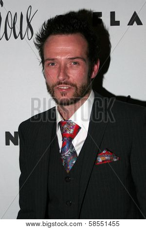 HOLLYWOOD - APRIL 06: Scott Weiland at Flaunt Magazine Presents Nefarious Fine Jewelry Hosted by Velvet Revolver at Black Steel Restaurant on April 06, 2006 in Hollywood, CA.