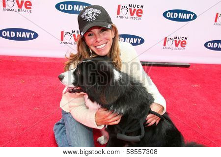 BEVERLY HILLS - APRIL 29: Melissa Rivers at the Old Navy Nationwide Search for a New Canine Mascot at Franklin Canyon Park on April 29, 2006 in Beverly Hills, CA.