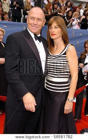 HOLLYWOOD - APRIL 28: Corbin Bernsen and Amanda Pays at The 33rd Annual Daytime Emmy Awards at Kodak Theatre on April 28, 2006 in Hollywood, CA.