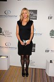 Lisa Kudrow at An Unforgettable Evening Presented by Saks Fifth Avenue, Beverly Wilshire Hotel, Beve