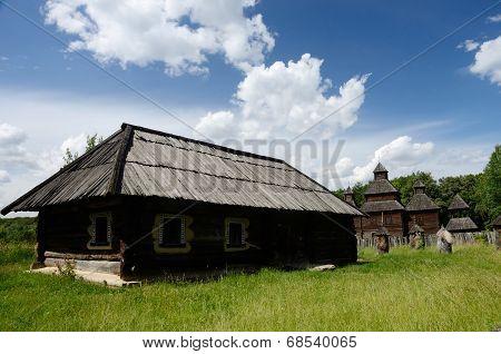 Old Wooden House With Resurrection Church From Poltavshina Region,pirogovo Park, Kiev,europe