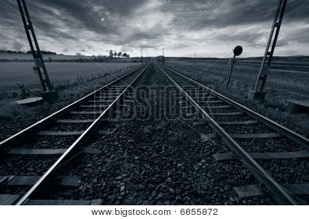 rail-tracks and horizon