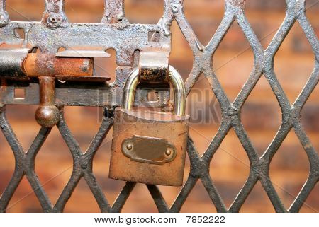 Padlock and latch