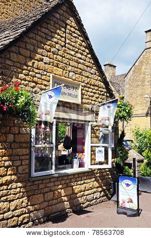 Ice Cream Parlour, Bourton on the Water.