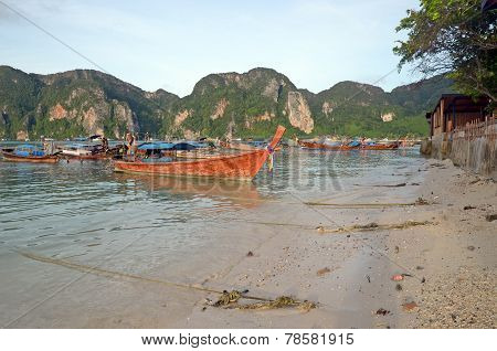 Thai longtail boats at the shore of the Phi-Phi Island