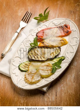 mixed vegetables grilled with scamorza cheese