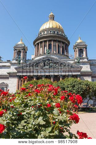 Saint Isaac  Cathedral With Roses