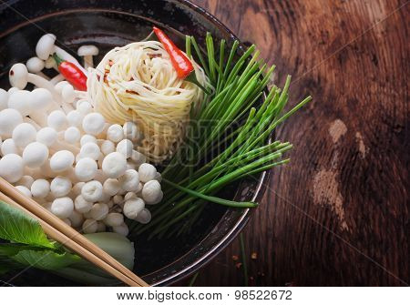 Oriental lunch preparation