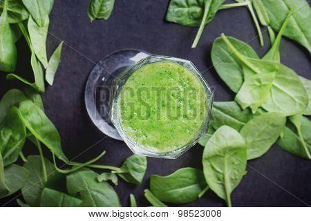 Green Smoothie preparation