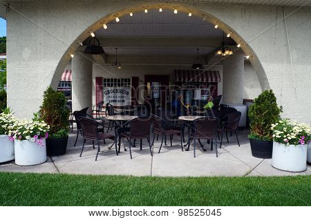 Hollywood Market's Covered Patio