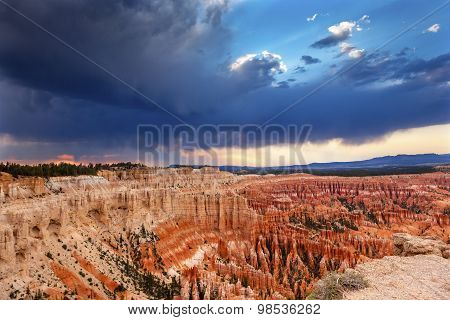 Amphitheater Hoodoos Sunset Inspiration Point Bryce Canyon National Park Utah