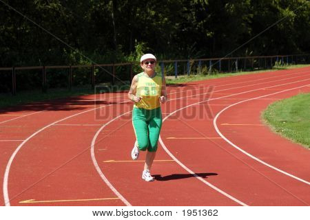 Active senior Woman Joggen