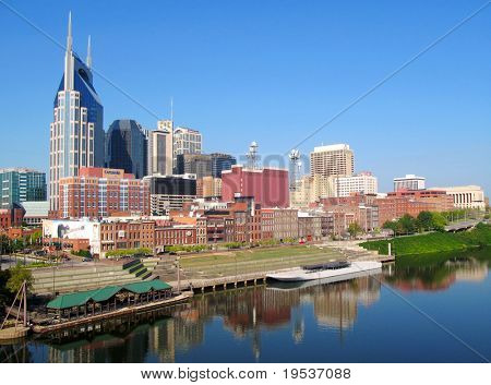 View of Nashville, Tennessee skyline.