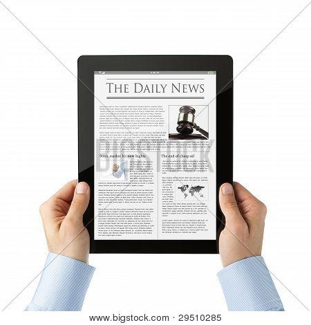 Lesen von Nachrichten in digitalen tablet