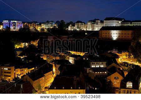 View On Grund At Night