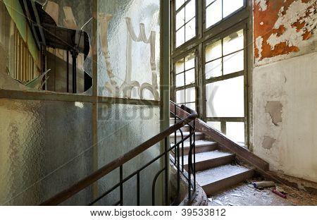 abandonado o edifício, escadas