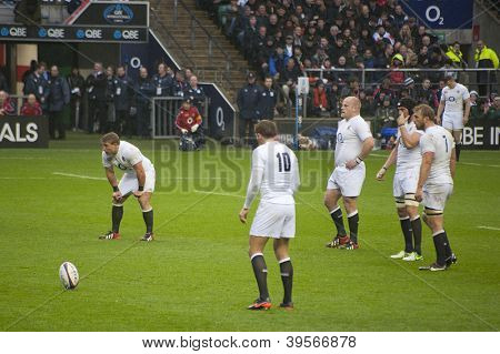 TWICKENHAM LONDON - NOVEMBER 23: Toby Flood prepares to take penalty at England vs South Africa, England playing in white lose 16-15, at QBE Rugby Match on November 23, 2012 in Twickenham, England