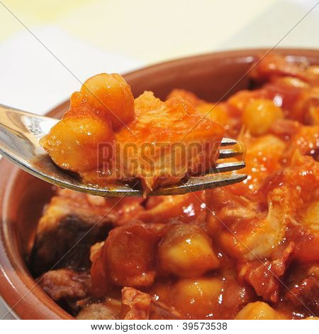 spanish callos, a stew with beef tripe, chickpeas and chorizo typical of Spain