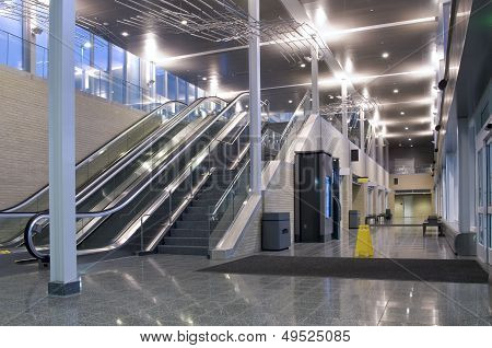 Transit Center Lobby And Corridor