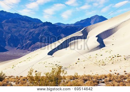 Eureka - a huge sand dune at sunrise. California, USA