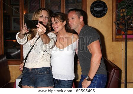 LOS ANGELES - AUG 1:  Kelly Sullivan, Nancy Lee Grahn, William deVry at the William deVry Fan Club Event at the California Canteen on August 1, 2014 in Los Angeles, CA