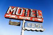 Verwittert retro Motel Zeichen