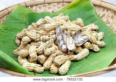 Peanut Boiled On Banana Leaf 01