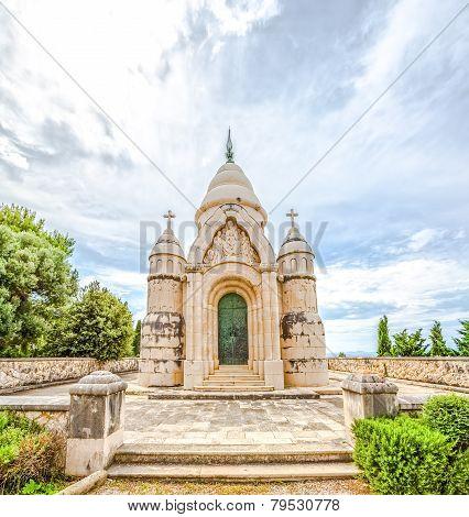 Mausoleum Petrinovic