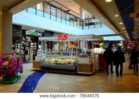 Vilnius City Panorama Shop Center Internal View