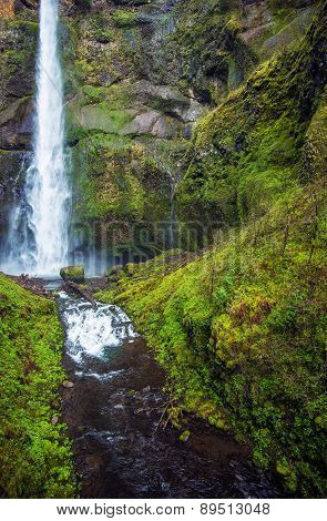 Scenic Oregon Waterfallls