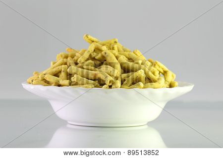 Ratlami Sev : Snacks of chick peas with punch of clove.