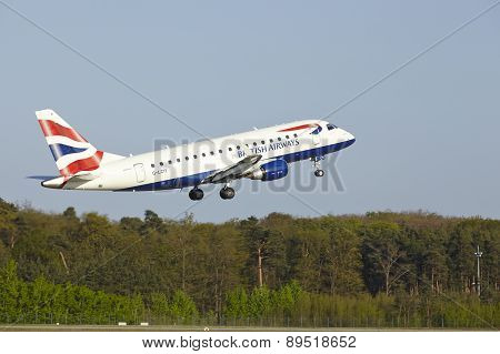 Frankfurt Airport - Embraer 170 Of British Airways Takes Off
