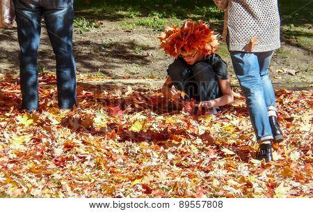 Campus Of Princeton University - Girl Making Hat From Leaves