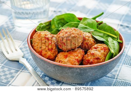 Baked Meatballs With Pepper And Spinach