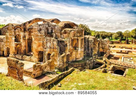 Ruins Of The Great Baths At Villa Adriana (hadrian's Villa), Tivoli, Italy