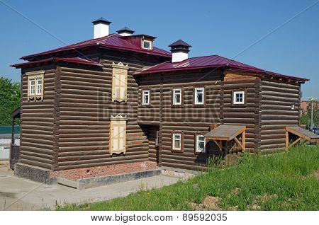 A two-storey log house in the historical quarter. Irkutsk