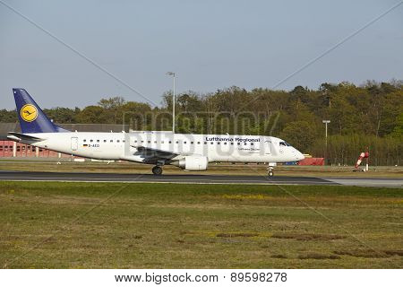 Frankfurt Airport - Embraer Erj-190 Of Lufthansa Regional Takes Off