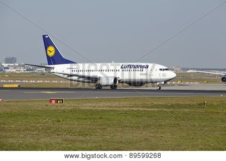 Frankfurt Airport - Boeing 737-300 Of Lufthansa Takes Off
