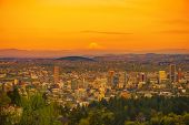 foto of portland oregon  - Scenic Sunset in Portland Oregon with Mount Hood on a Horizon - JPG