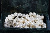 picture of malachite  - malachite jewelry box with jewelry  - JPG