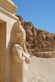 foto of mortuary  - Standing statue at Hatshepsut temple - JPG