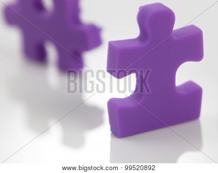 purple color of jigasaw puzzle