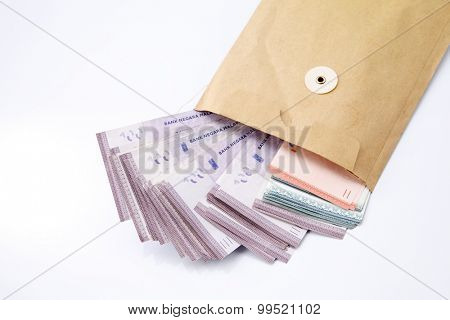 Malaysia rinngit in a envelope