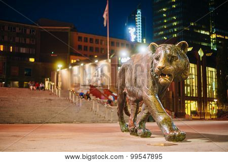Bronze Tiger statue in the city center in Oslo, Norway.