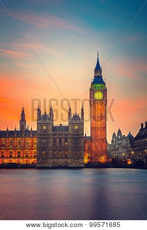 Big Ben and Houses of parliament at dusk in London