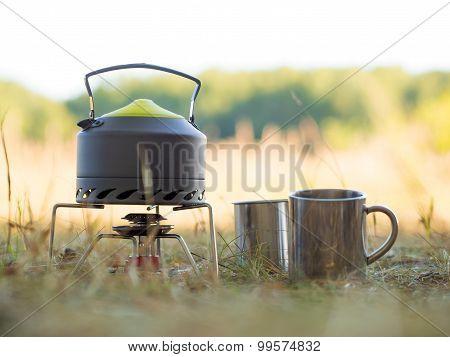 Making coffee or tee on a gas burner