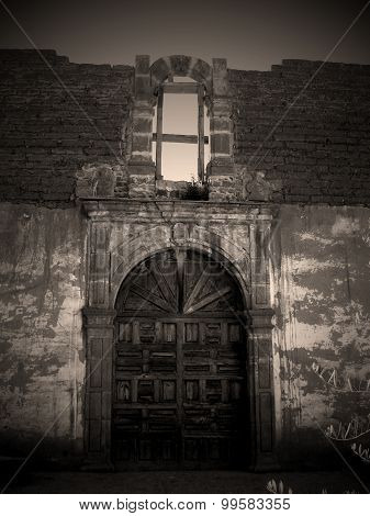 Abandoned colonial building