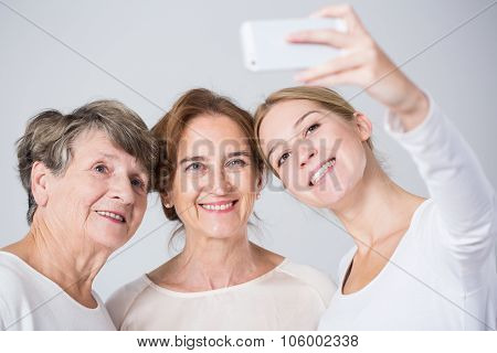 Taking Perfect Family Selfie